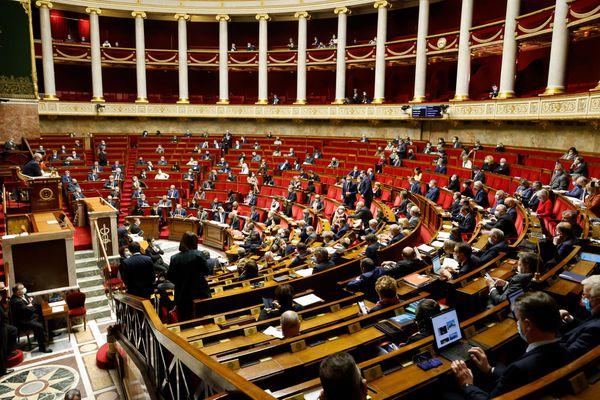 Lors du vote le 8 avril 2021, la loi Molac sur les langues régionales avait été largement adoptée par les députés : 247 voix pour, 76 contre et 19 absentions.